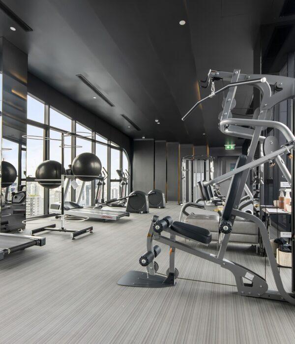 gym-5977600_1920